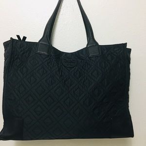 💕Offers accepted💕 Tory Burch large Ella tote